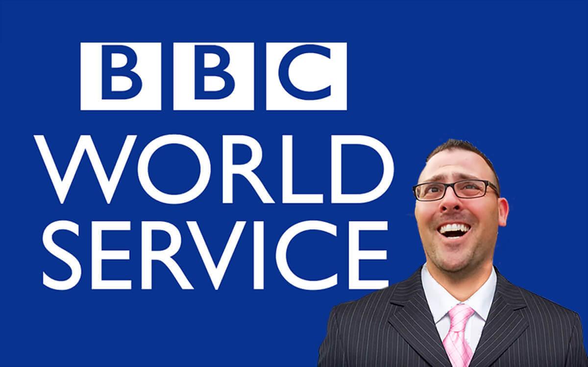 לקראת ריאיון רדיו ב-BBC